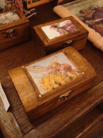 Cofanetti portagioie ricordi e piccoli segreti legno for Oggetti antichi in regalo