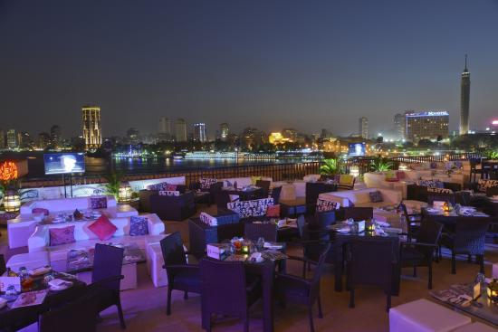 InterContinental Cairo Semiramis: Spectacular Nile views at the Nile Terrace a the Semiramis InterContinental Cairo.