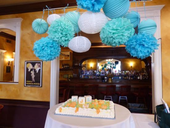 Trenton, Μίσιγκαν: Beautiful Antique Bar Area