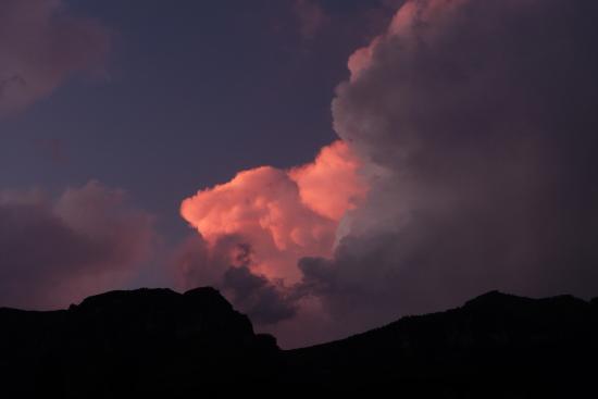 uKhahlamba-Drakensberg Park, Güney Afrika: Evening Drakensberg storm