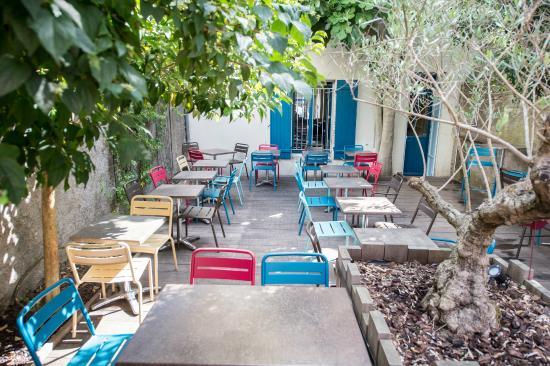 Cafe sur Cour