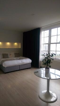 AMS Suites : Room 2B - Superior Suite.