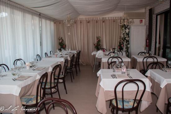 Nice Hotel Ronchi: sala da pranzo
