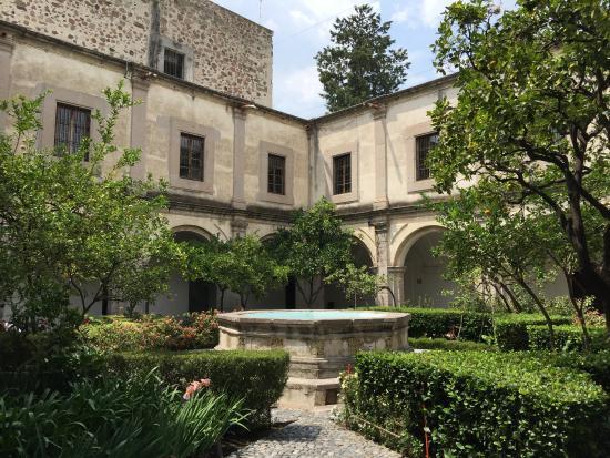 Museo Nacional del Virreinato: Vista desde uno de los siete patios del monasterio