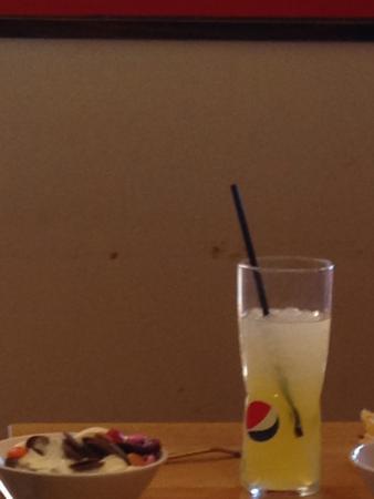 Filthy Walls Picture Of Pizza Hut Feltham Tripadvisor