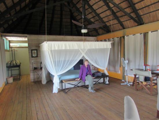 Maramboi Tented Camp: Inside the unit