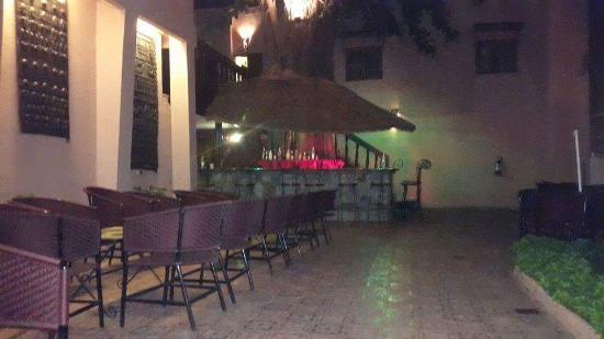 Hotel Tamana: Vue de nuit