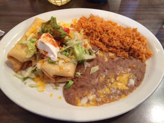 La Laguna : Dinner combo with two chimis.