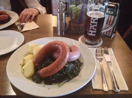 Härke Brauerei Ausschank : Braunkohl und Brägenwurst, dazu ein Härke Dunkel - das ist ein Stück Peine pur!