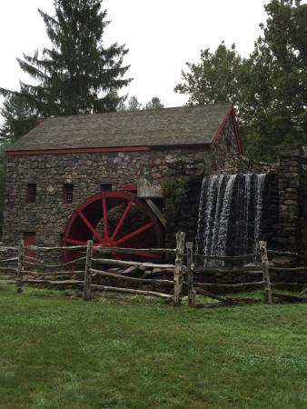 Longfellow's Wayside Inn: Grist Mill