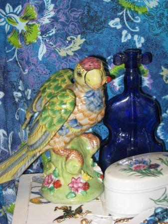 Ingrid's Antiques & Collectibles