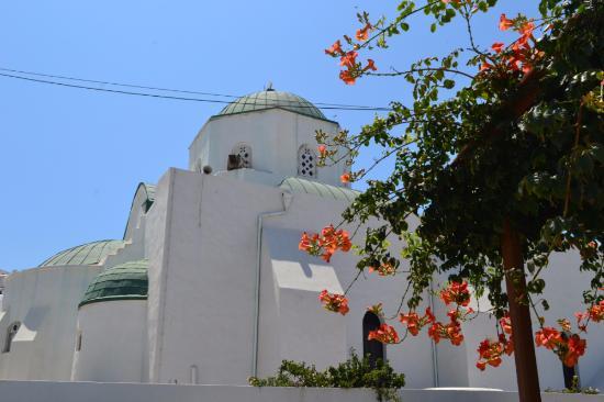 Greek Orthodox Cathedral: Вид сбоку