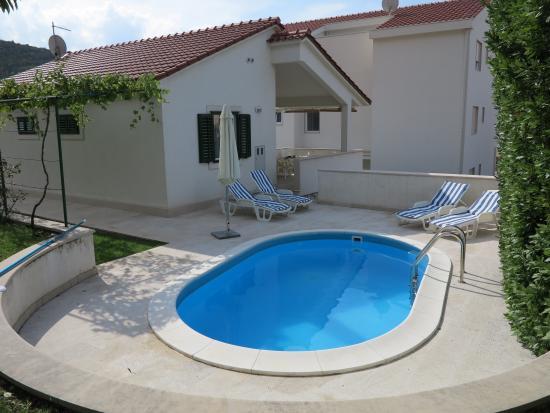 Dugi Rat, Κροατία: The Villa