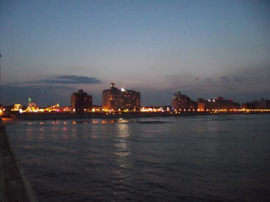 Virginia Beach Va Oceanfront Taken From The Pier On 14th St