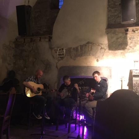 Kilkenny, Ireland: Emmet and band