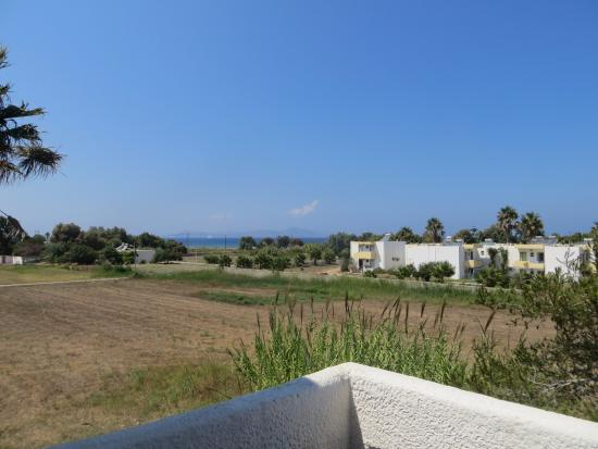 Mare Blue Apartments : Daytime view