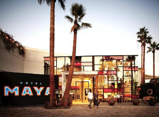 Hotel Maya A Doubletree By Hilton Hotel