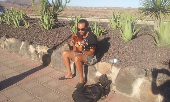 Quiksilver Surfschool Fuerteventura Private Tours & Classes: Before surfing