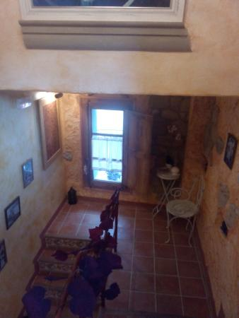 El Callejon De Andrese: Subida habitaciones superiores