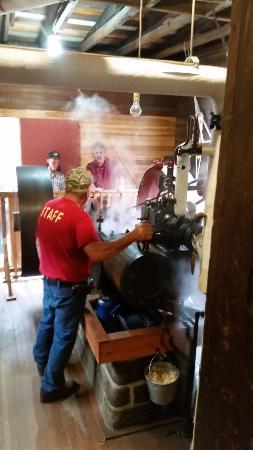 Meredith, estado de Nueva York: Steam Engine Running