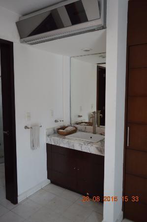 Hostel Mundo Joven Cancun: Baño de las privadas