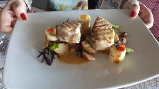 Hotel Hangaroa Eco Village & Spa: plato del restaurante