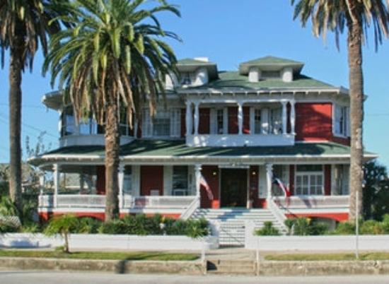 Victorian Bed And Breakfast In Galveston