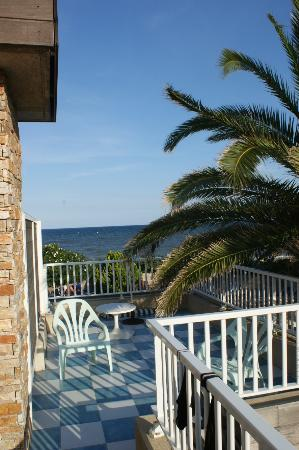 Levolle Marine Hotel et Residence : View from room balcony to Mediterranean
