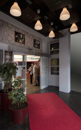 BEST WESTERN Baronen Hotel: Entrance