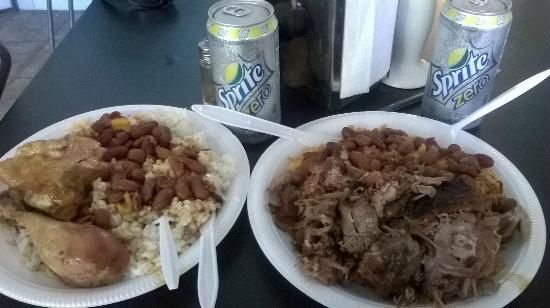 La Differencia: Lunch (Chicken with white rice and beans and pork chop with yellow rice and beans)