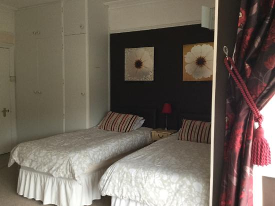 Atkinsons Guest House: Twin Room