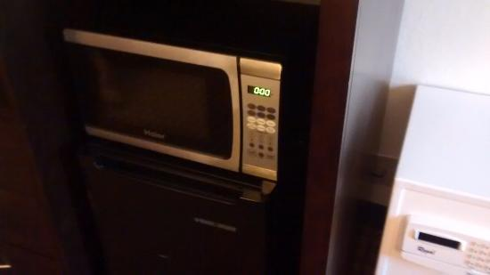 Best Western Port Clinton: Microwave in the room