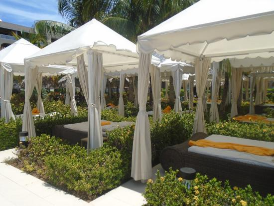 Iberostar Grand Hotel Rose Hall: Poolside Beds & Poolside Beds - Picture of Iberostar Grand Hotel Rose Hall Rose ...
