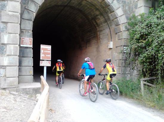 Olvera, Espanha: tunel