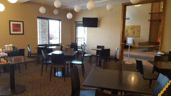 Best Western Plus Lacey Inn & Suites: Breakfast Area