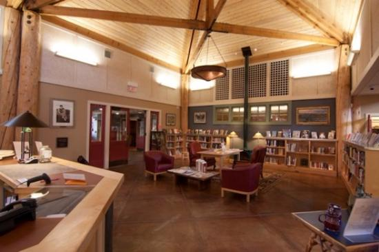 Pinedale, WY: Sublette County Library - Pinedalde