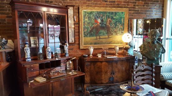 Magnolia Antique Gallery