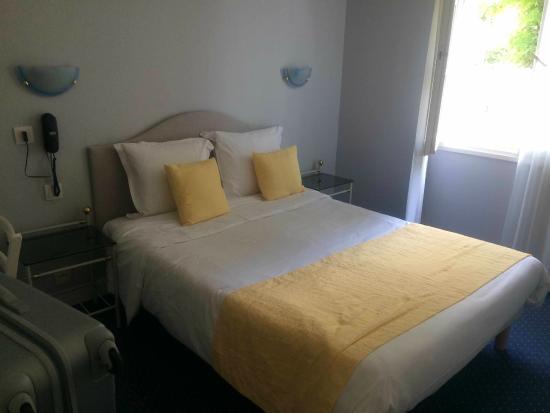 Hôtel Val de Loire : VAl de Loire bedroom