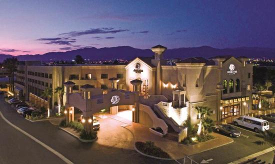 DoubleTree by Hilton Hotel Los Angeles - Rosemead: Our Hotel is 10 Miles from Downtown L.A.