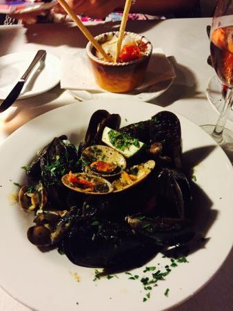 Seaview Restaurant: photo0.jpg
