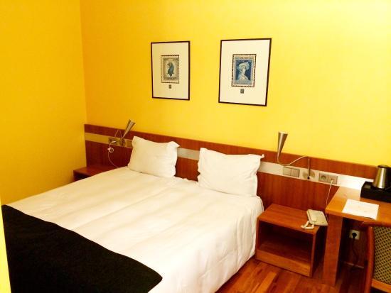 Hotel de la Poste: photo1.jpg