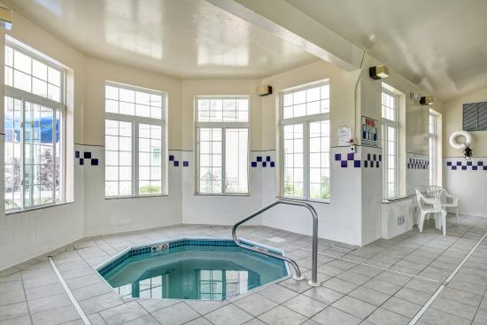 HD wallpapers hotels with jacuzzi in room in cleveland ohio