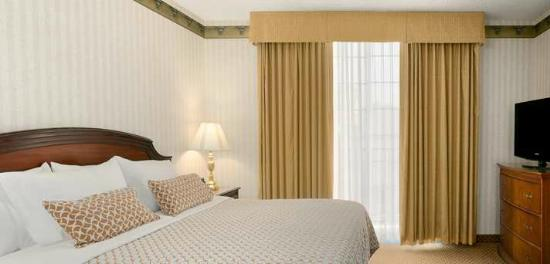 Embassy Suites by Hilton Arcadia Pasadena Area: King Suites