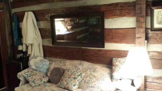 Sleepy Creek Mountain Inn: Almost  Heaven!