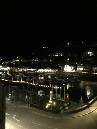 Bridgeside Guest House: View from room at night and Looe