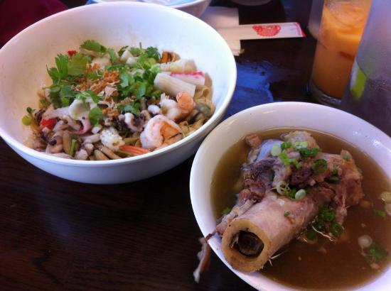 Phnom Penh Noodle: Noodle with pork bone soup