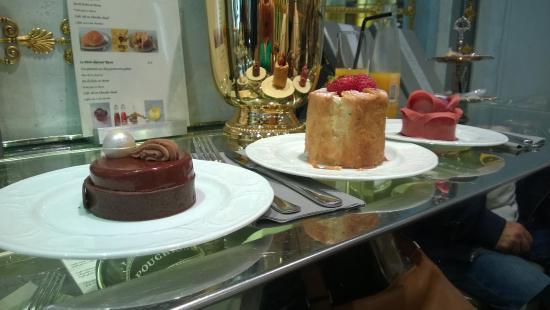 tarte chocolat napol on et rozovaya picture of cafe pouchkine haussmann paris tripadvisor. Black Bedroom Furniture Sets. Home Design Ideas