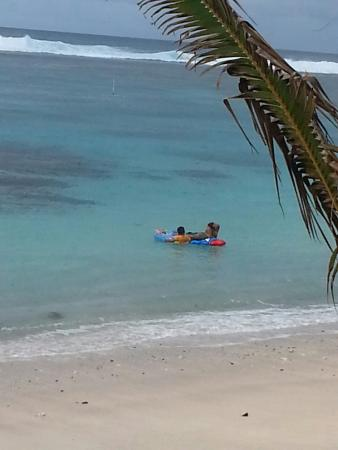 Manusina Beach Fales