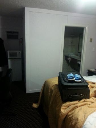 Country Squire Motel : Small rooms but very clean