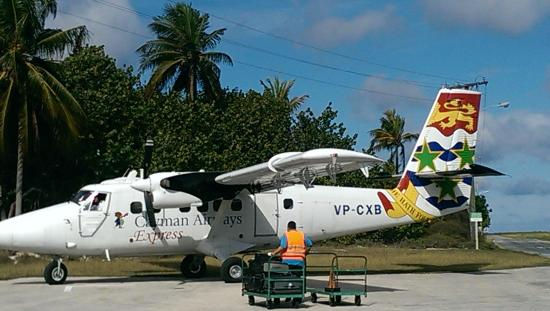 Little Cayman Beach Resort: Puddle Jumper to get there from Grand Cayman